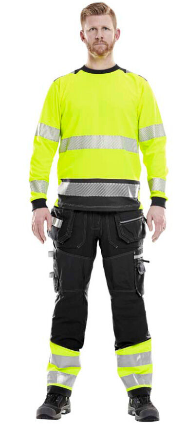 High visibility clothing recommendation for you working at large construction sites
